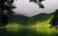 Hồ Ba Bể, một địa danh nổi tiếng ở miền Bắc với hồ thiêng núi ngọc, 2018