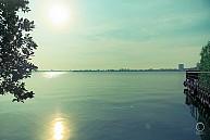 Du Thuyền Hồ Tây